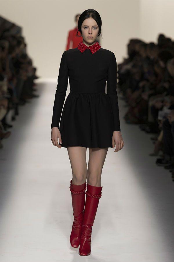 Черное платье с красным фото