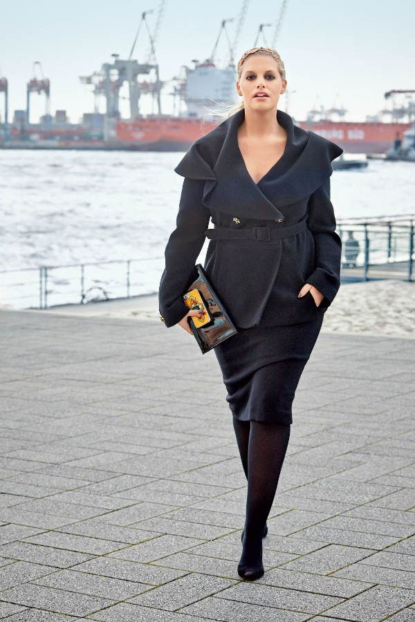 Платье-футляр и пиджак для полных фото
