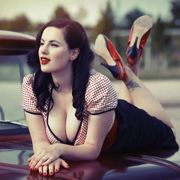 Фотосессия возле машины фото