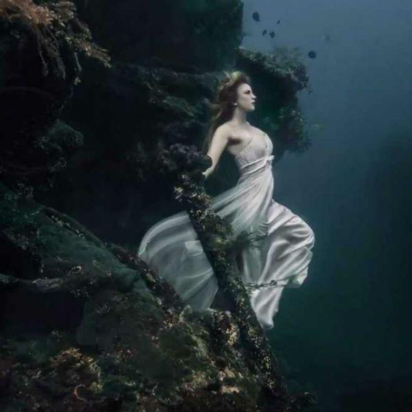 Идеи для фотосессии под водой фото