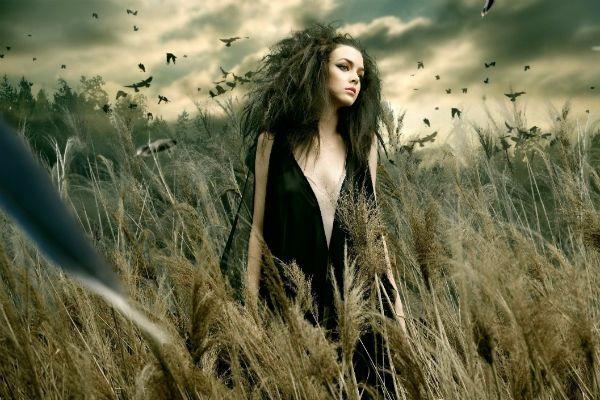Ведьма в поле фото
