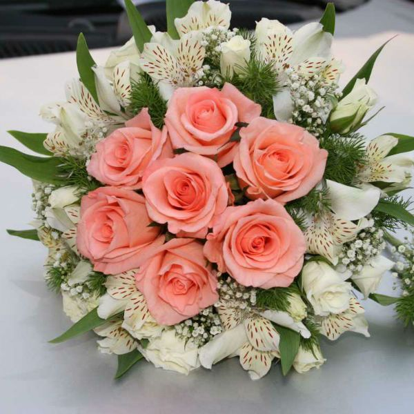 Букет из альстромерии и роз фото