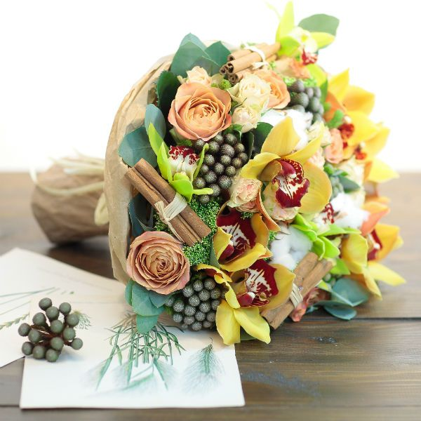 Букет из орхидей фото