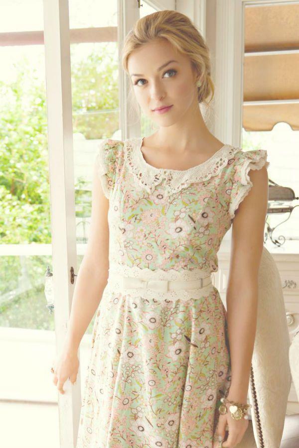 Светлое платье фото