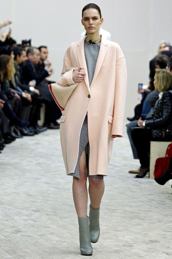 Пальто пудрового цвета фото