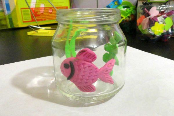 Рыбка в аквариуме фото