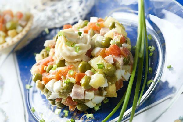 Салат с куриной грудкой фото