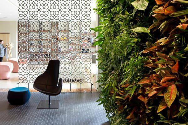 Перегородки из живых цветов 2 фото