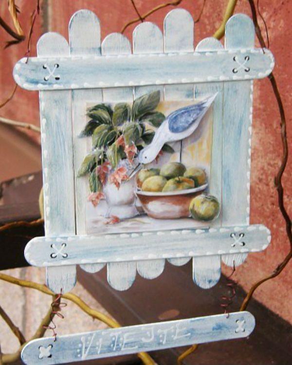 Декоративная табличка из палочек от мороженого фото