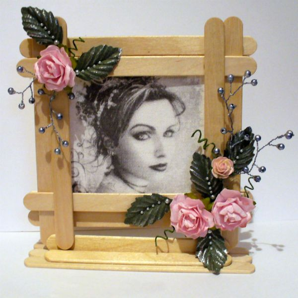 Рамка из палочек от мороженого фото