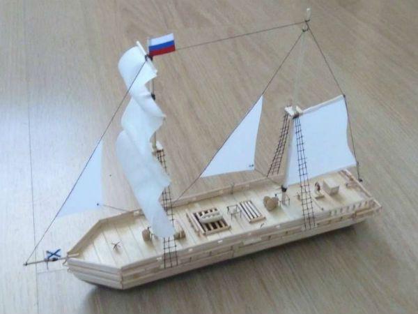 Кораблик из палочек от мороженого 2 фото