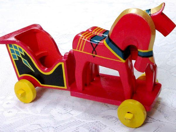 Новинская деревянная игрушка фото