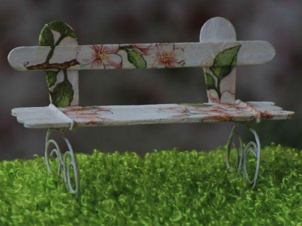 Скамейка из палочек от мороженого 2 фото