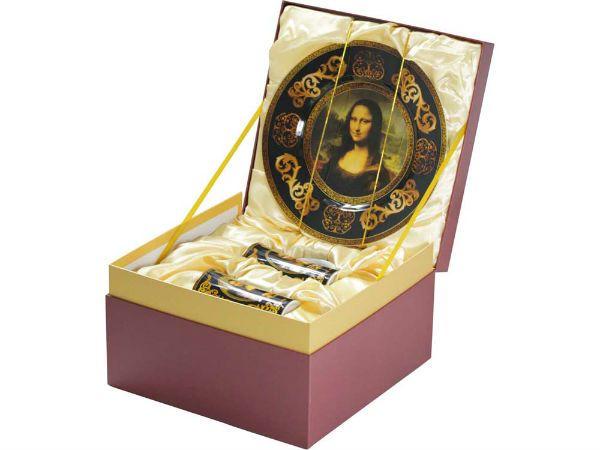 Сувениры из Лувра фото