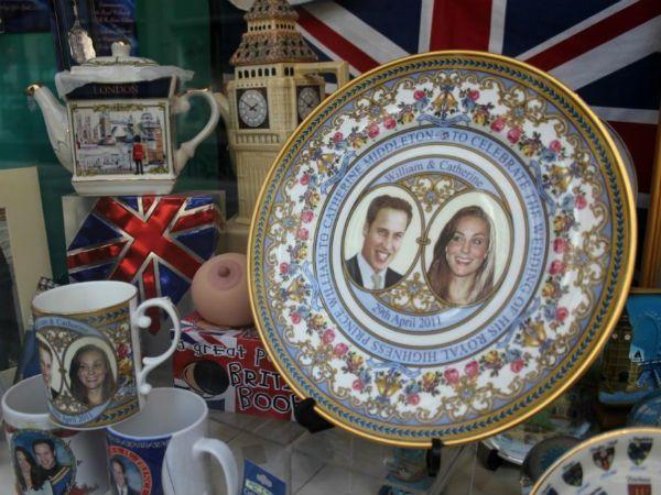 Символы королевской семьи фото