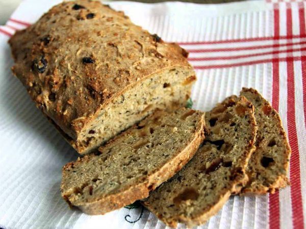Бездрожжевой цельнозерновой хлеб на закваске фото