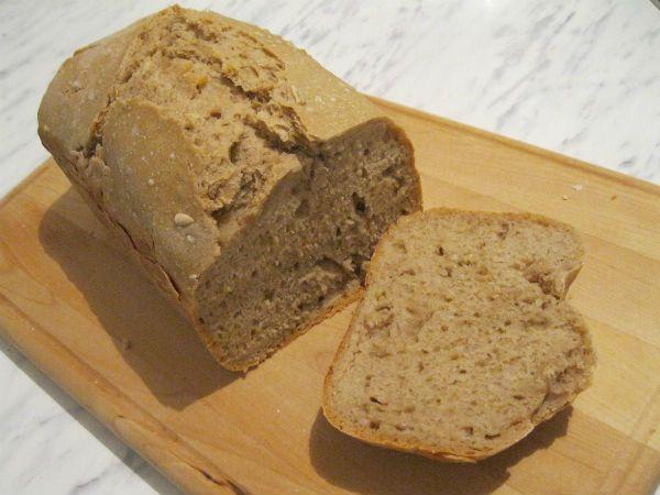 Бездрожжевой хлеб на закваске в хлебопечке фото