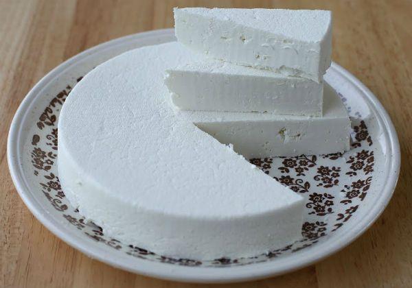 Сыр из козьего молока фото