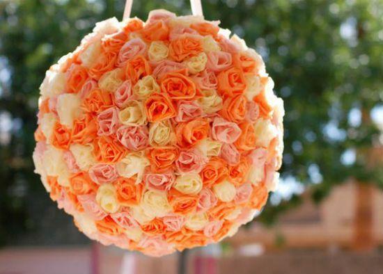 Помпон из бумажных роз фото