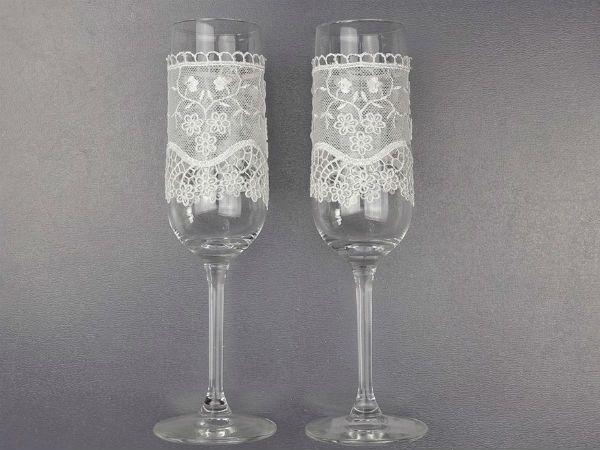Декор свадебных бокалов кружевом шаг 5 фото