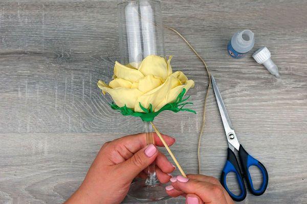 Декор свадебных бокалов лепестками шаг 44 фото
