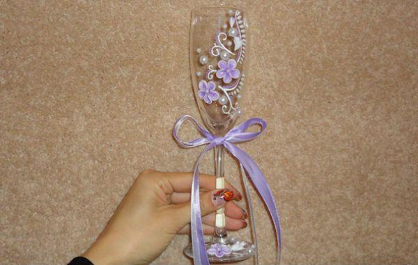 Украшение свадебных бокалов полимерной глиной фото