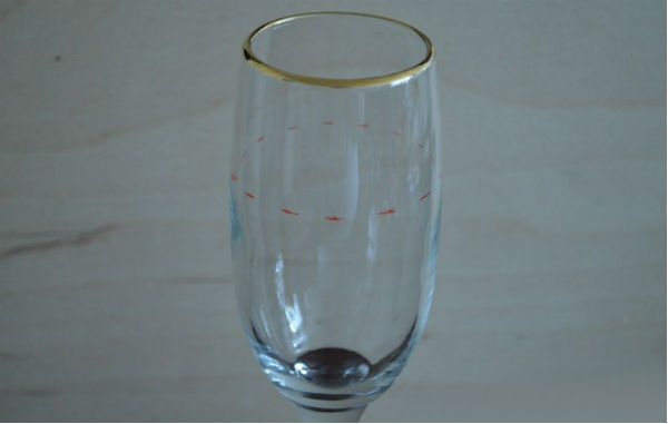 Декор свадебных бокалов тканью шаг 1 фото