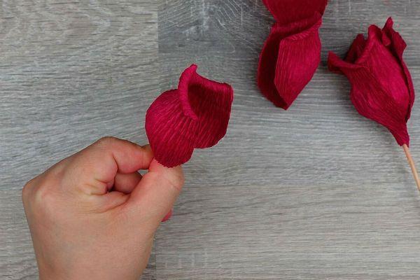 Объемные розы с сюрпризом шаг 25 фото