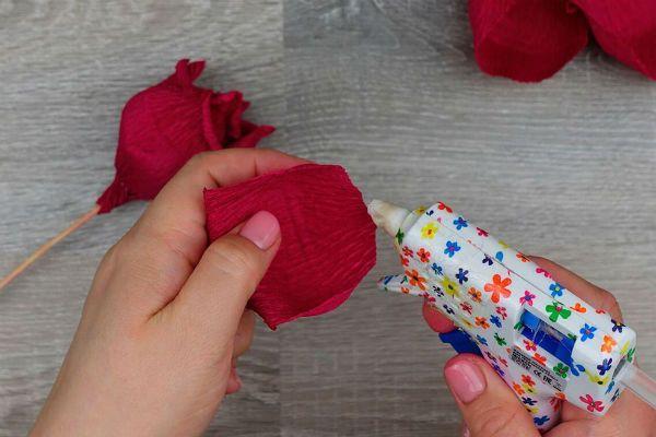 Объемные розы с сюрпризом шаг 27 фото