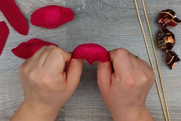 Объемные розы с сюрпризом шаг 4 фото