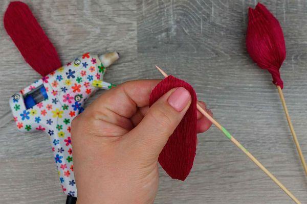 Объемные розы с сюрпризом шаг 7 фото