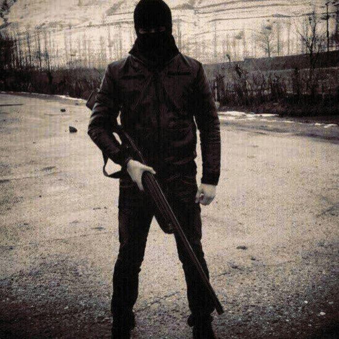 картинка на аву для парней с оружием