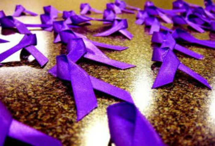 Фиолетовая лента фото