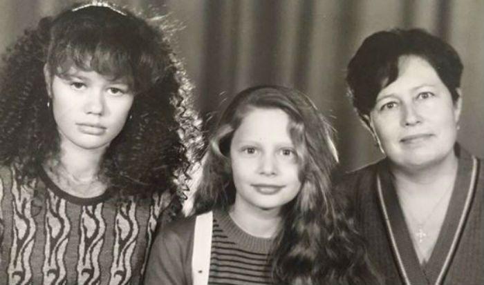 с мамой и сестрой фото