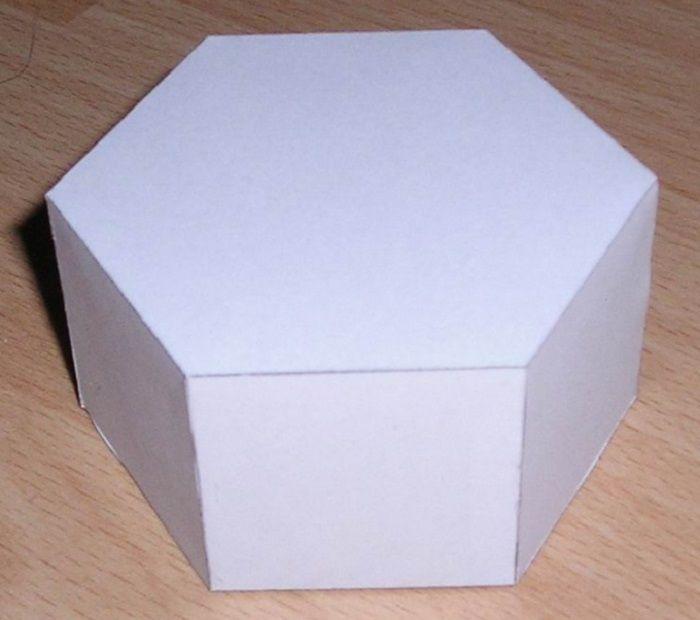 Объемный шестигранник из бумаги