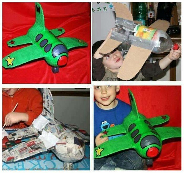Самолет из папье-маше фото