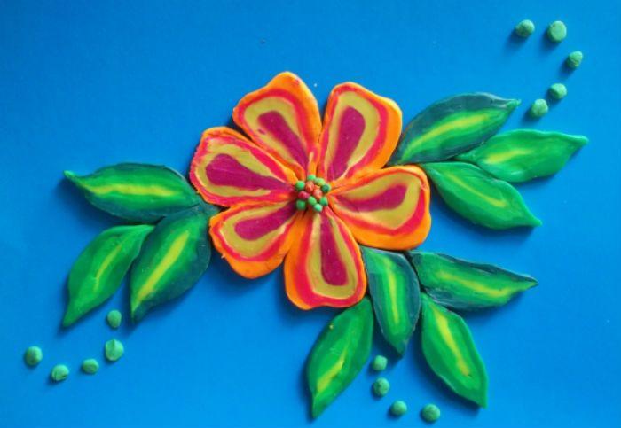 Цветок из пластилина фото