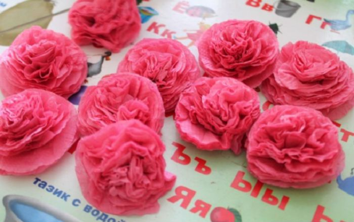 Роза из салфеток фото