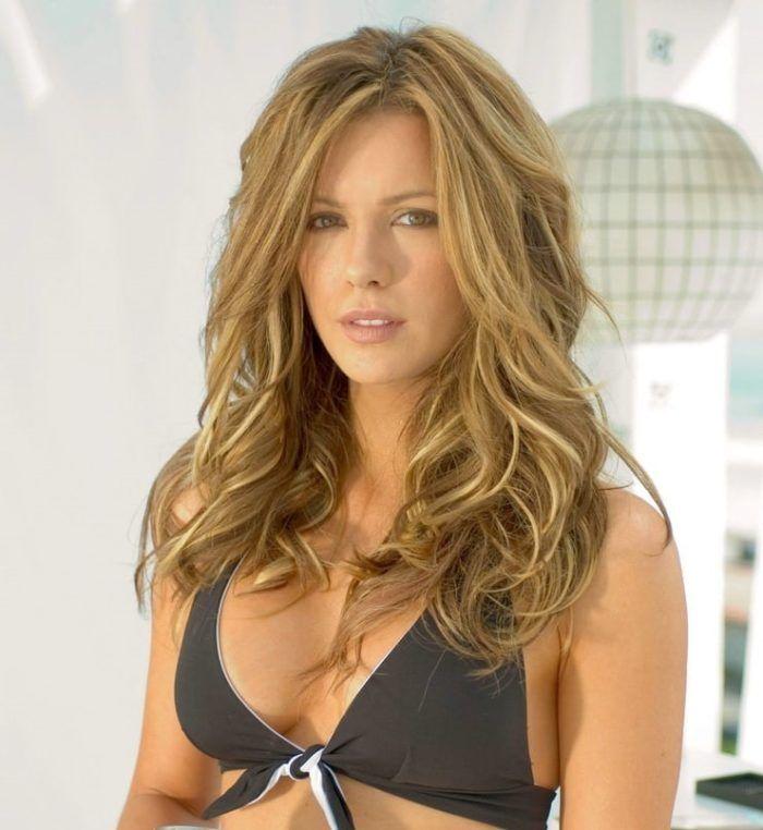 Топ 50 женщин с самой красивой грудью Кейт Бекинсейл