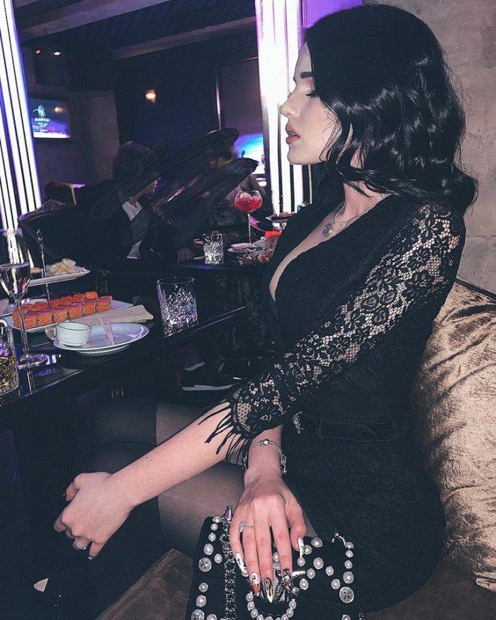 Карина Аракелян фото с вечеринки