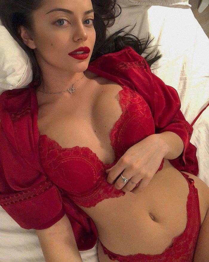 Катя Кищук фотография в красном белье