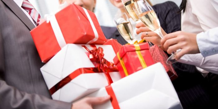 Идеи новогодних корпоративных подарков